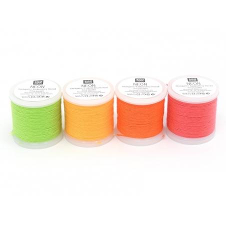 Acheter Bobine 20m de fil à broder fluo - vert - 2,80€ en ligne sur La Petite Epicerie - 100% Loisirs créatifs