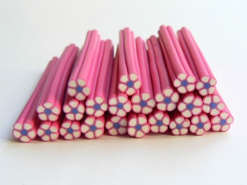 Flower cane - pink with a blue centre