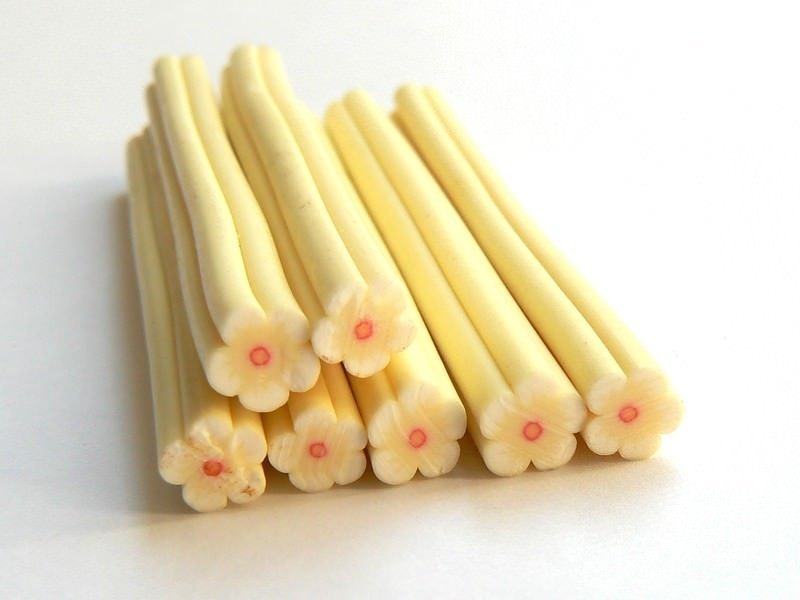 Flower cane - pale yellow