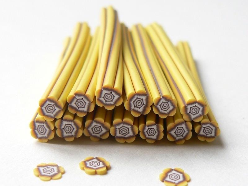 Acheter Cane fleur tropicale en pâte polymère - 0,49€ en ligne sur La Petite Epicerie - Loisirs créatifs