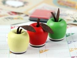Holzstempel in Form eines Apfel - Love