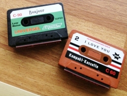 Wooden stamp in the shape of a cassette - I love you