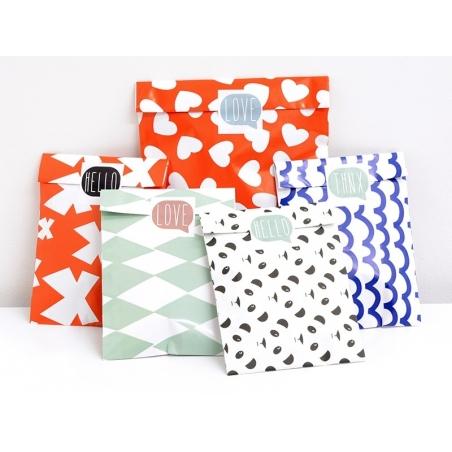 1 pochette cadeau - Rouge à coeurs blancs Kado Design - 4