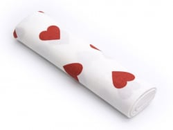 Patterned remnant - White with red hearts