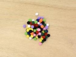 Petits pompons multicolores - 7mm