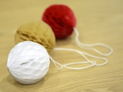 Kleiner Wabenball (5 cm) - weiß