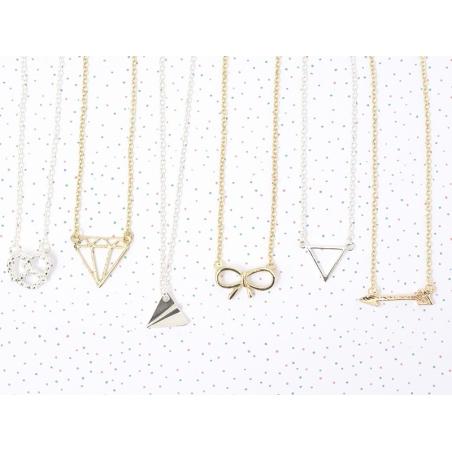 Delicate triangle necklace - silver-coloured