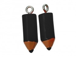 1 schwarzer Buntstiftanhänger aus Kunststoff