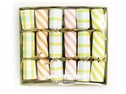 6 mini crackers - friendship bracelets