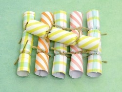6 mini Crackers - contenant bracelets d'amitié