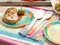 Wooden cutlery - different hues - tropical