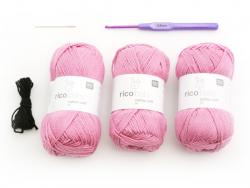 Häkelkit - ein rosafarbener Hase für Babys