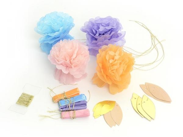 Guirlande De 8 Fleurs En Papier De Soie Couleurs Pastel