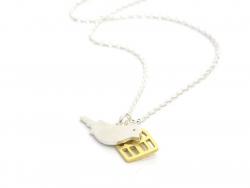 Zarte Halskette mit Vogel-und Käfiganhänger - gold- und silberfarben