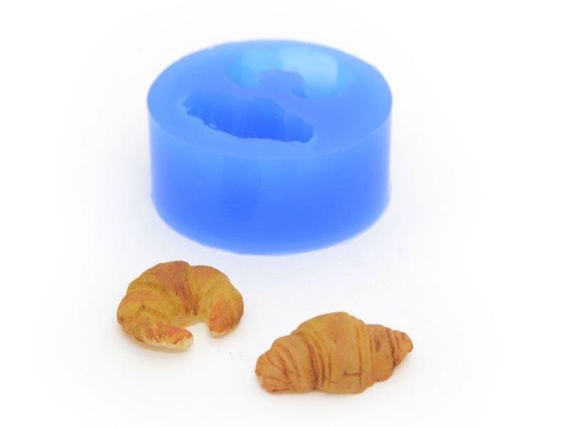 Acheter Moule en silicone - 2 croissants - 3,90€ en ligne sur La Petite Epicerie - Loisirs créatifs