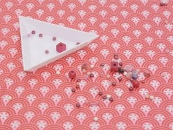 Triangular tray for sorting beads