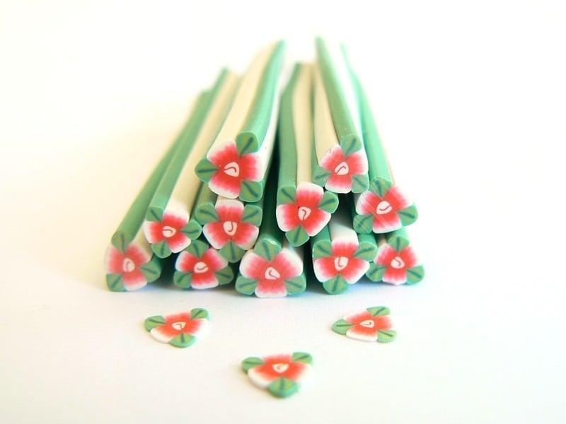 Acheter Cane fleur rouge de noel avec ses feuilles - 0,99€ en ligne sur La Petite Epicerie - Loisirs créatifs