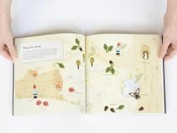 "French book "" Miniatures en perles de rocailles - Amanda Brooke Maurice Hinson"""