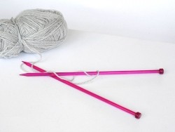 Knitting needles - 8.0 mm