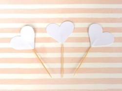 10 Cupcakedekorationen - weiße Herzen