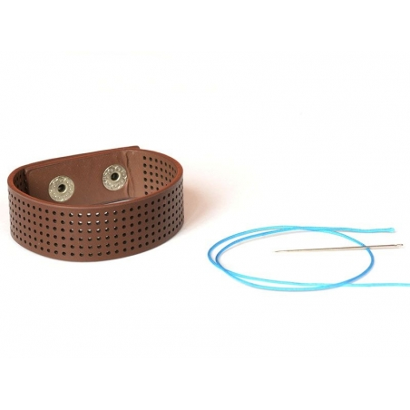 Delicate embroidery bracelet - brown