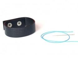 Delicate embroidery bracelet - black