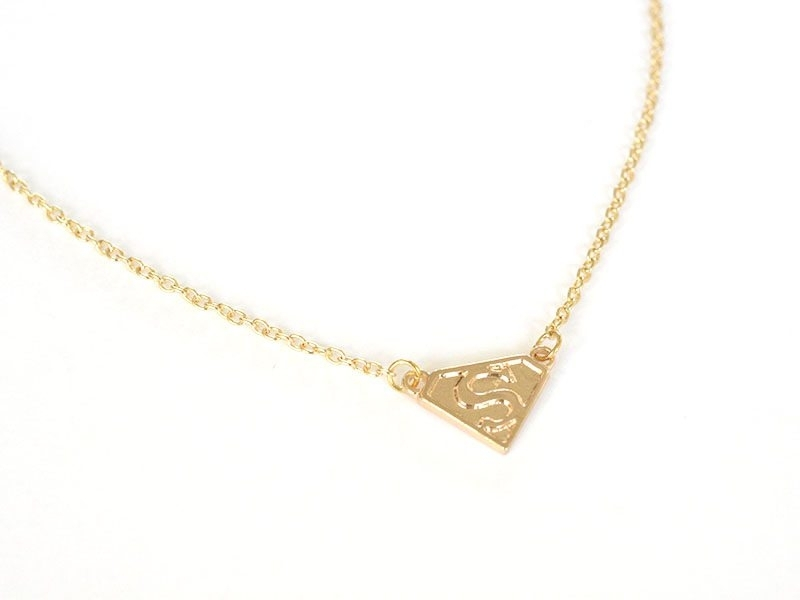 Collier fin Superwoman  -  doré  - 1