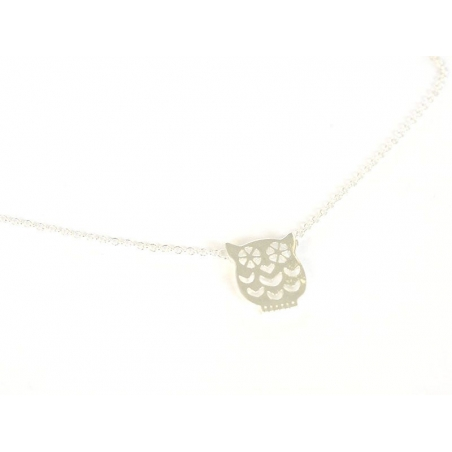Delicate owl necklace - silver-coloured metal