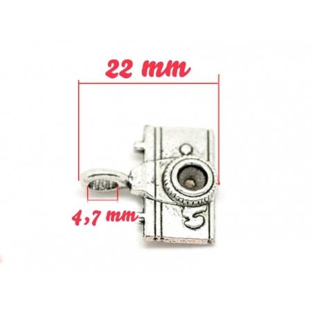 Acheter 1 breloque appareil photo touriste argentée - 1,49€ en ligne sur La Petite Epicerie - Loisirs créatifs