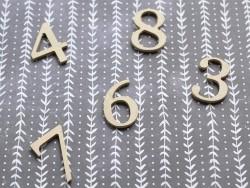 Die Zahl 7 zur individuellen Gestaltung - aus Pappmaschee