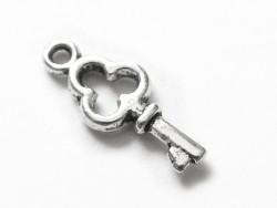 1 breloque petite clé argentée