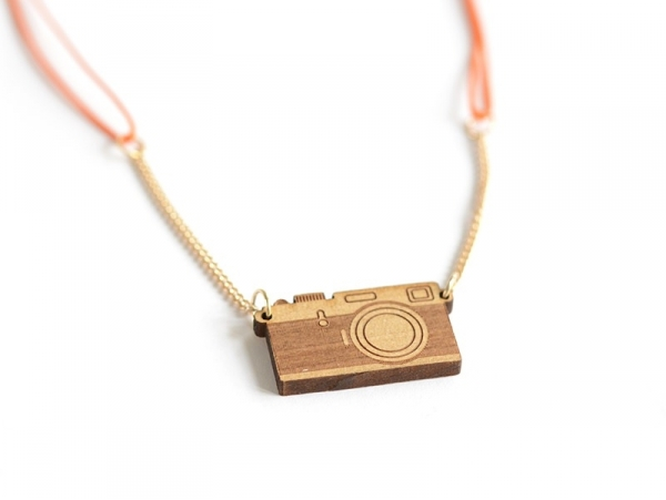 Necklace with a photo camera pendant - wooden