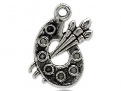 1 dark silver-coloured palette charm