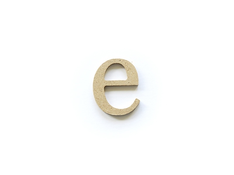 Customisable papier mâché letter - e