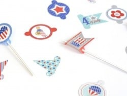 32 adorable, decorative toppers - Independence Day