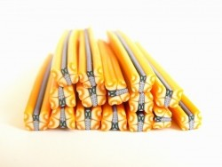 Cane papillon jaune en pâte fimo