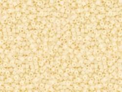 Röhrchen mit 1.100 Rocailleperlen - Miyuki Delica's 11/0 - beige, Nr. 732