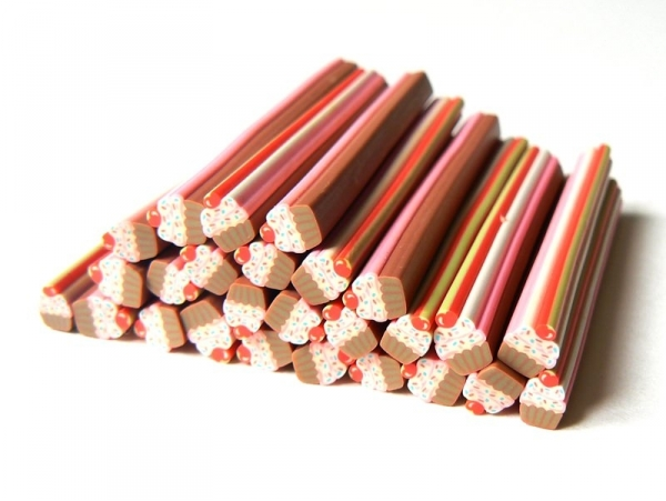 Acheter Cane cupcake et ses vermicelles colorés - 0,49€ en ligne sur La Petite Epicerie - Loisirs créatifs