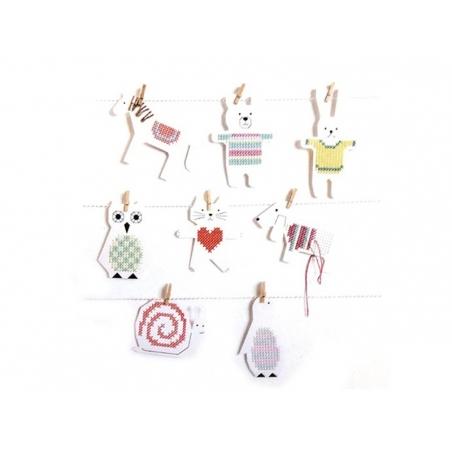 Acheter 8 Cartons à broder -Chien Chat Cheval et Escargot - 4,75€ en ligne sur La Petite Epicerie - Loisirs créatifs