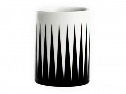 Tasse mit geometrischem Muster - lange, schwarze Dreiecke