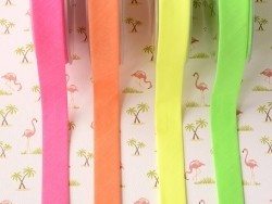 1 m of bias binding (20 mm) - neon pink (colour no. 205)