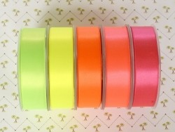 1 m ruban satin uni orange fluo 203 - 26 mm