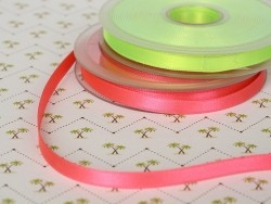 1 m ruban satin uni rose fluo 204 - 8 mm