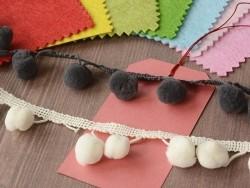 Acheter 1m Galon de pompons - écru 051 - 2,39€ en ligne sur La Petite Epicerie - 100% Loisirs créatifs