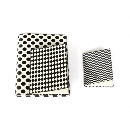 Small notebook with zigzag cover - black