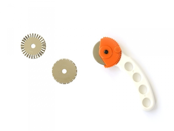 Roll cutter for paper and fabric