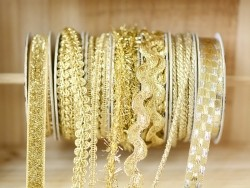 Decorative ribbon spool (2 m) - Rickrack (10 mm) - gold-coloured (colour no. 103)