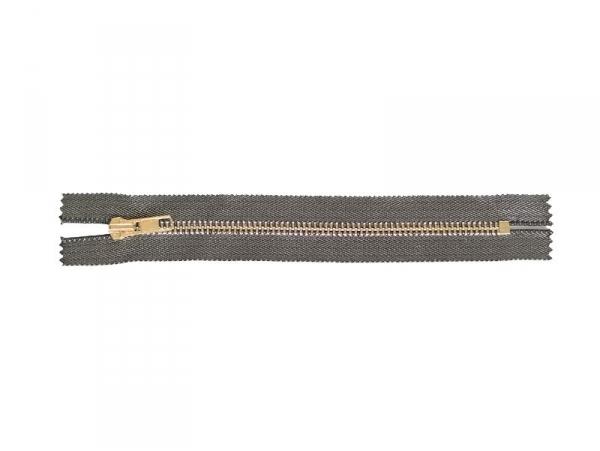 Acheter Fermeture éclair métallique noir - 18 cm - 4,30€ en ligne sur La Petite Epicerie - 100% Loisirs créatifs
