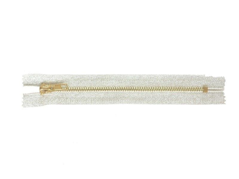 Acheter Fermeture éclair métallique argenté - 18 cm - 4,30€ en ligne sur La Petite Epicerie - 100% Loisirs créatifs
