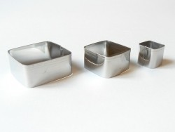 3 biscuit cutters - Squares